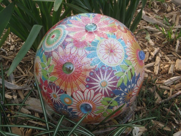 DIY Garden Gazing Ball ~ Http://hello Itsme.weebly.com