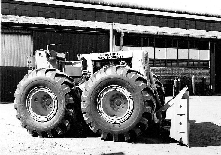 This is the larger, more powerful cousin, the LW16T. As can be seen a front engine configuration was chosen for this model. Sales of this type exceeded that of the LW12 by four to one. The machine is pictured outside of LeTourneau-Westinghouse's manufacturing facility in Rydalmere, Australia in 1959.