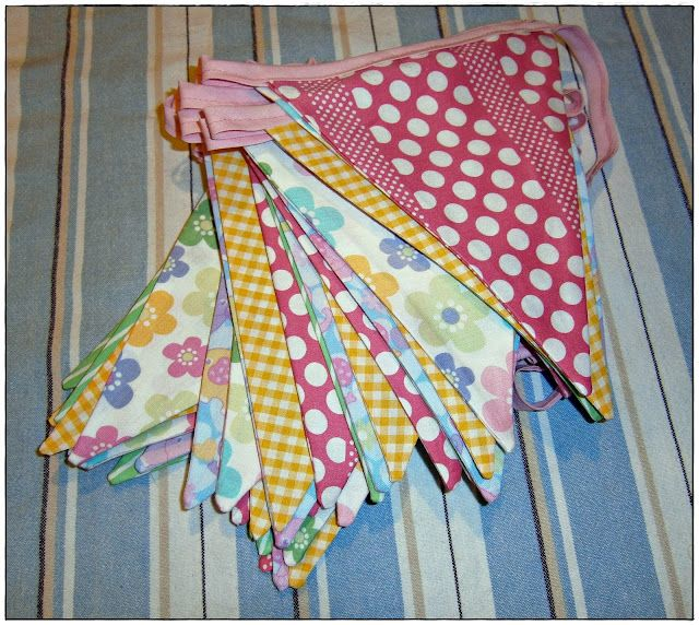 How to make bunting - an easy to follow guide.