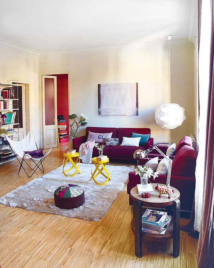 Great design apartment barcelona vibrant family apartment for Sala de estar kawaii