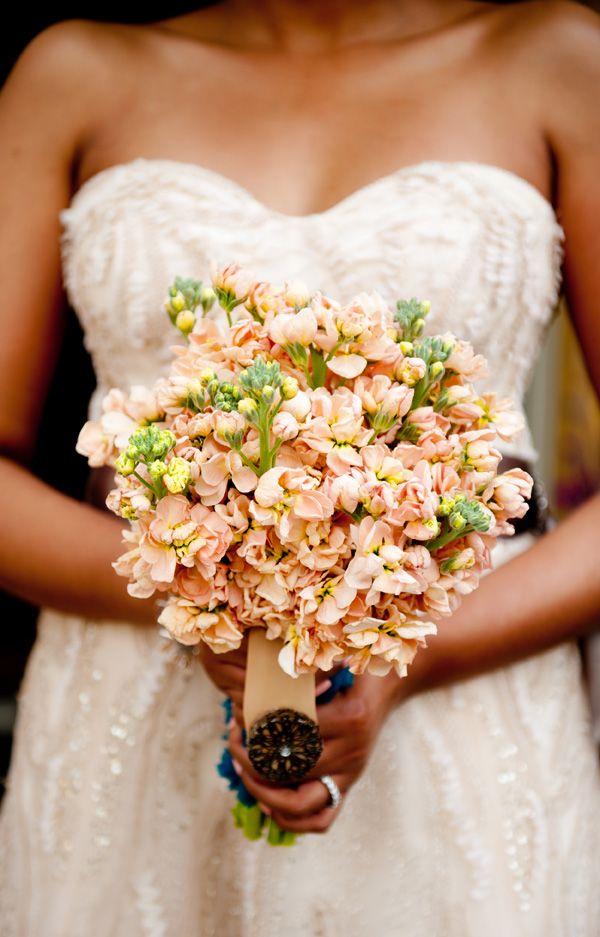 Pretty Curls: Natural Hair Inspiration for African-American Brides - Munaluchi Bridal Magazine; peach flowers; black bride; bride of colour