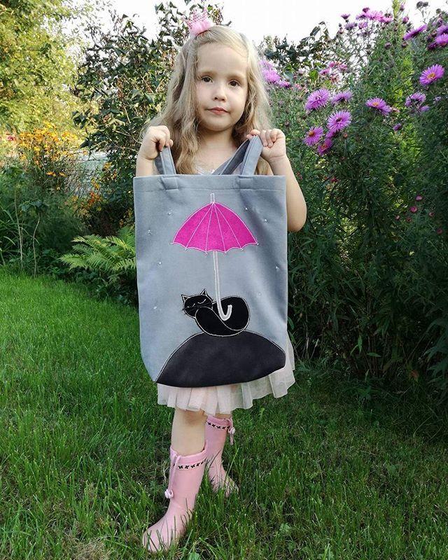 Księżniczka w kaloszach 👢👜☔ Słonecznego dnia życzymy 😘 #torbolandia #torebkazkotem #kot #handmade #bag