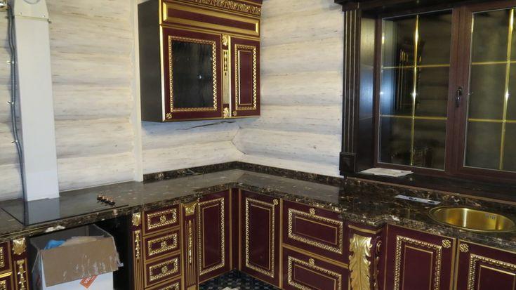 Кухонная столешница из мрамора Император Дарк (Испания). Толщина материала 20мм, толщина столешницы 40мм, сложный профиль.