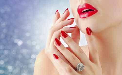 8 Famosos #trucos de #maquillaje para unos #labios mas #gruesos  http://www.guapaalinstante.com/2014/03/trucos-de-maquillaje-para-labios-mas-gruesos.html