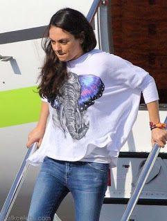 海外セレブスナップ | Celebrity Style: 【ミラ・クニス】飛行場でも仲良し!夫アシュトンと家族でハワイバケーションへ!