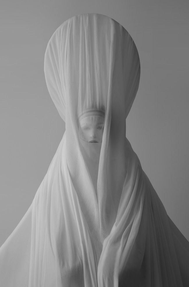 Votive priestess