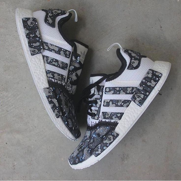 Adorable Sneakers Ideas For Men To Look Cool And Stylish - There are many different style options of shoes for men who like to live their domestic lives in rubber shoes. Men's ankle boots are available under v. Men's Shoes, Nike Shoes, Shoes Sneakers, Adidas Running Shoes, Shoes Style, Adidas Sneakers, Adidas Originals, Adidas Shoes Women, Walking Boots