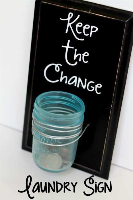 Create a catchall for loose change found in the laundry. This easy mason jar laundry sign is a great way to gather & save spare change.