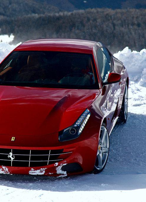 Ferrari FF playing in the snow