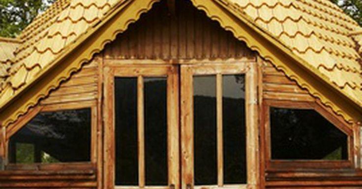 """Faça você mesmo: Construa em madeira. Existem muito tipos de construções em madeira que servem para fãs de """"faça você mesmo"""", desde uma cabana de toras até uma armação para casas. Se estiver planejando um projeto assim, primeiro pense nos objetivos dele e então execute um plano para torná-lo realidade. Desde encontrar os planos apropriados até obter os materiais corretos, existem ..."""