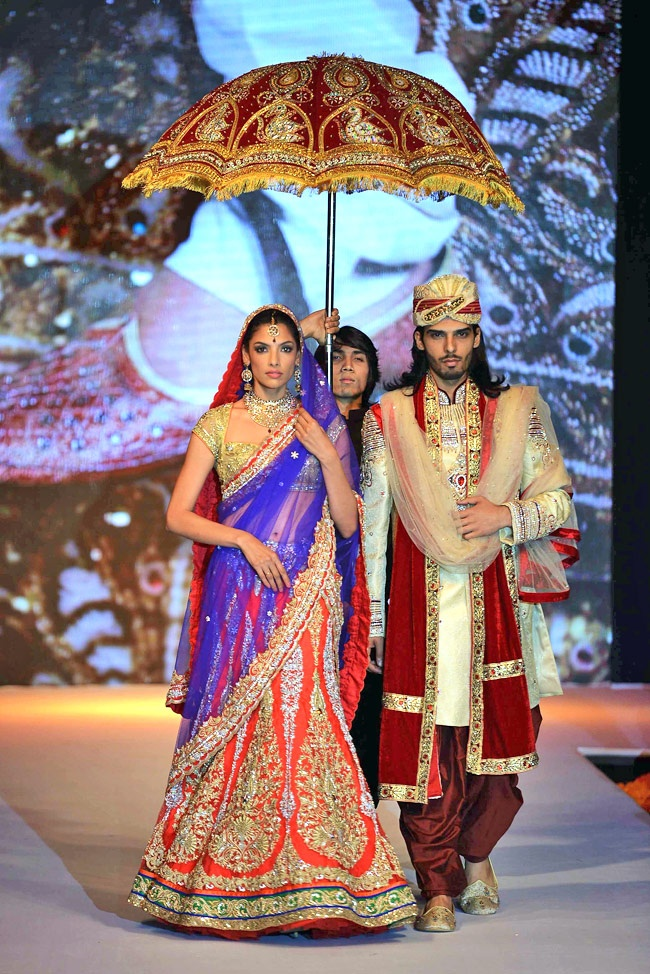 Starry Day-2 of India International Jewellery Week