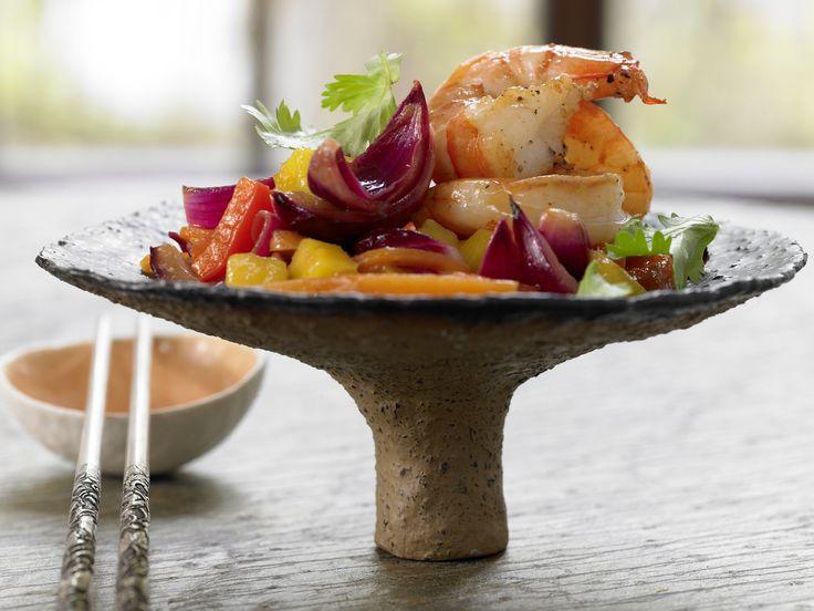 Garnelen süßsauer mit Paprika und Mango | Kalorien: 477 Kcal - Zeit: 30 Min. | http://eatsmarter.de/rezepte/garnelen-suesssauer