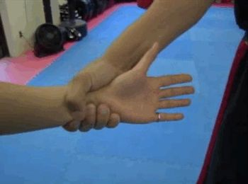 Know how to get out of a wrist hold. | 12 Self-Defense Tips That Could Come In Handy OneDay