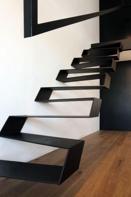 estructura metlica de escalera en apartamento loft