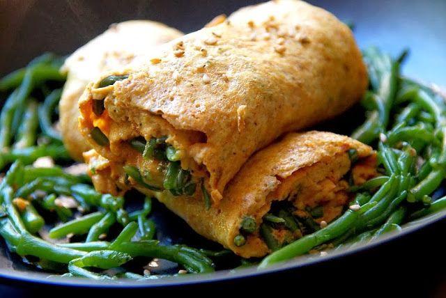 Bienvenue chez Spicy: Omelette roulée curcuma et salicorne - Réédition Si vous êtes en bord de mer (en Bretagne) vous pourrez trouver des salicornes très certainement. Une recette iodée pour vous !
