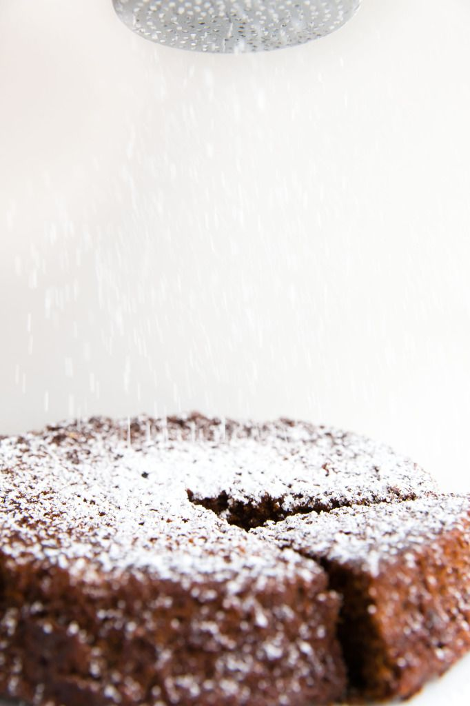 david lebovitz's ginger cake with fresh ginger & dark molasses