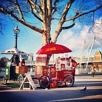 A walk on the Southbank. | The 21 Loveliest Places To Go For A Date In London