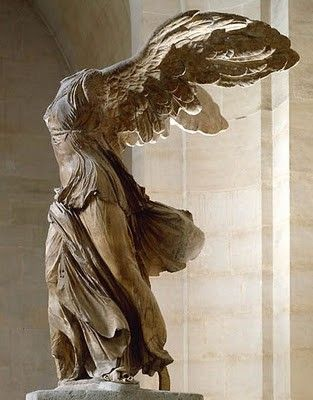 Nikè de Samotracia, Victoria de Samotracia, Victoire de Samothrace, Νίκη της Σαμοθράκης.  Greece 190 B.C.  Musee du Louvre, Paris - France