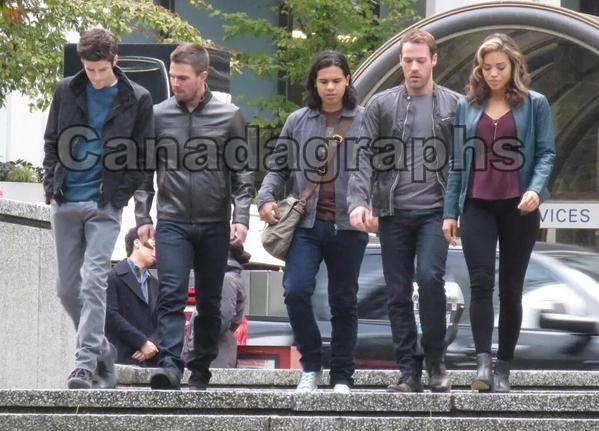 New pic of Stephen, Grant, Carlos, Ciara & Falk Hentschel filming #TheFlash #Arrow #LegendsofTomorrow Crossover #2x08 #Flarrow