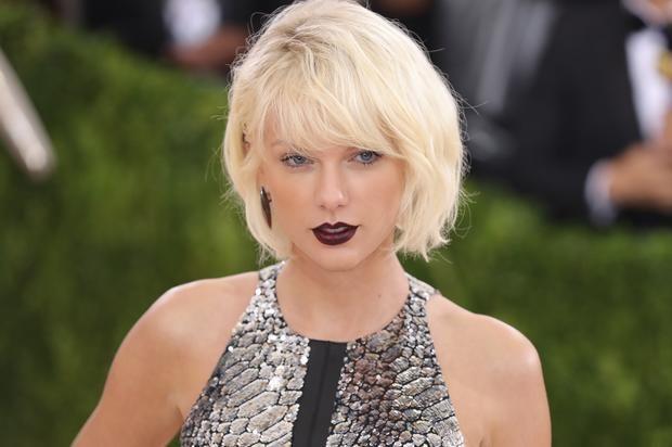 "Taylor Swift Sends Cardi B Flowers After ""Bodak Yellow"" Tops Her Billboard Position"