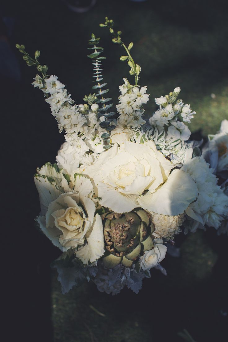 Hagen Flora - Wedding Florals. Camarillo Wedding. McCormick Home Ranch. Wedding Flowers. White and Green Florals. Bouquet.