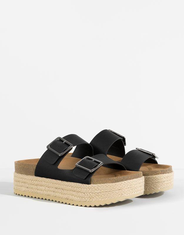 Paja con botas negras de tacon - 3 5
