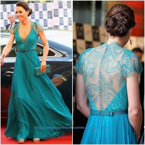 Kate Middleton, en una gala benéfica, con un espectacular vestido verde agua de Jenny Packham primavera 2012.
