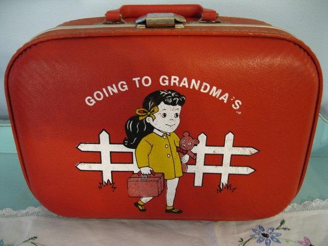 81 best Vintage children's suitcase images on Pinterest ...