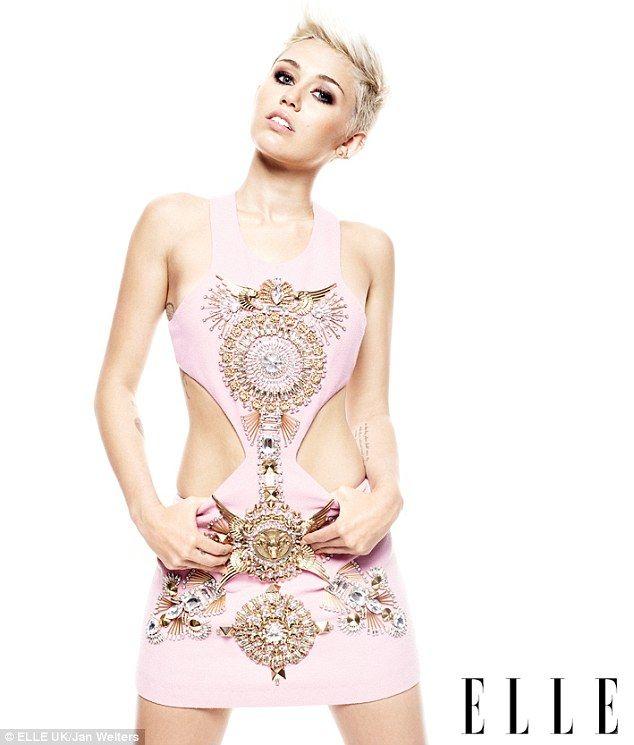 PHOTOS Miley Cyrus montre chaud son corps à Elle - Photos Miley Cyrus
