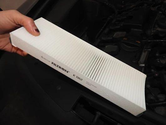 W moim najnowszym filmie pokazuję, jak wymienić filtr kabinowy w samochodzie osobowym? http://autoadams.blogspot.com/2016/06/jak-wymienic-filtr-kabinowy-powietrza-w.html