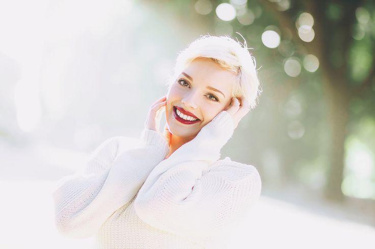 https://flic.kr/p/qKz7Kt | Her beautiful smile | Proprio ieri ho avuto modo di acquistare il mio nuovissimo e desideratissimo canon ef 85mm 1.8 e sono stra felice di averlo provato su questa bellissima ragazza che ha posato per me. Lei è Beatrice , ha degli occhi incredibilmente azzurri o comunque di un colore simile a quello del cielo ( perdonatemi ma sbaglio sempre i colori degli occhi delle persone quindi probabilmente daltonica come sono può essere che siano verdi)e possiede inoltre un…