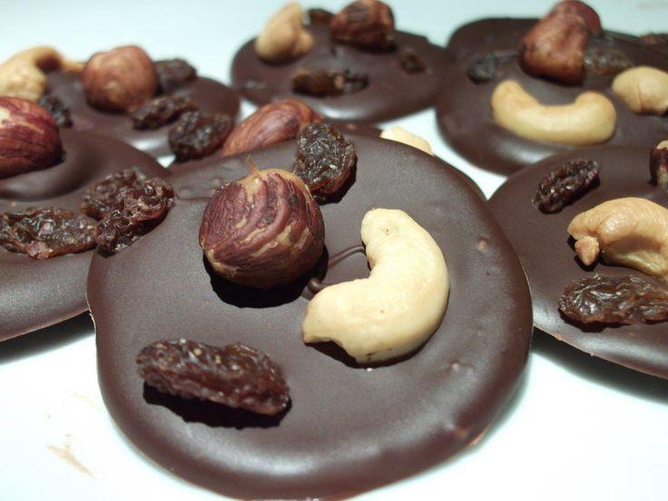 """Eva's Smulhuisje: Chocolaatjes met studentenhaver (+ het correct """"tempereren"""" van chocolade)"""
