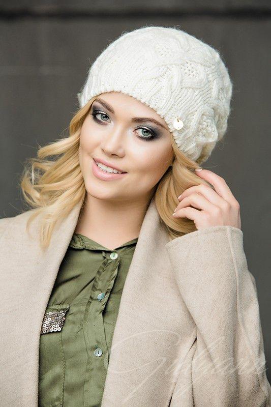 Dimitra шапка - купить оптом с доставкой по Москве и России. Примеры фото и разнообразие цветов!
