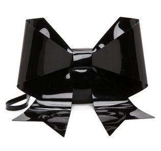 Sélection série noire. Aimez-vous ce côté excentrique de l'habillement?