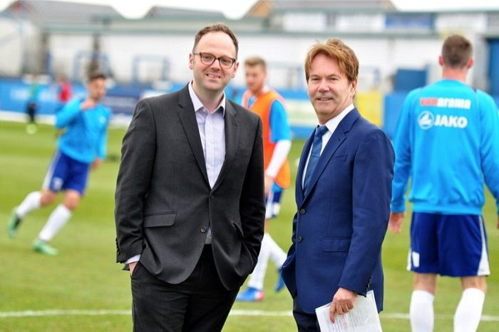 Barrow AFC Chairman Paul Casson gives his endorsement to Simon Fell http://www.cumbriacrack.com/wp-content/uploads/2017/05/DSC_0031_2_preview.jpg The Chairman of Barrow AFC, Paul Casson, has today given his backing to Simon Fell, the Conservative challenger to be Barrow's next MP.    http://www.cumbriacrack.com/2017/05/04/barrow-afc-chairman-paul-casson-gives-endorsement-simon-fell/