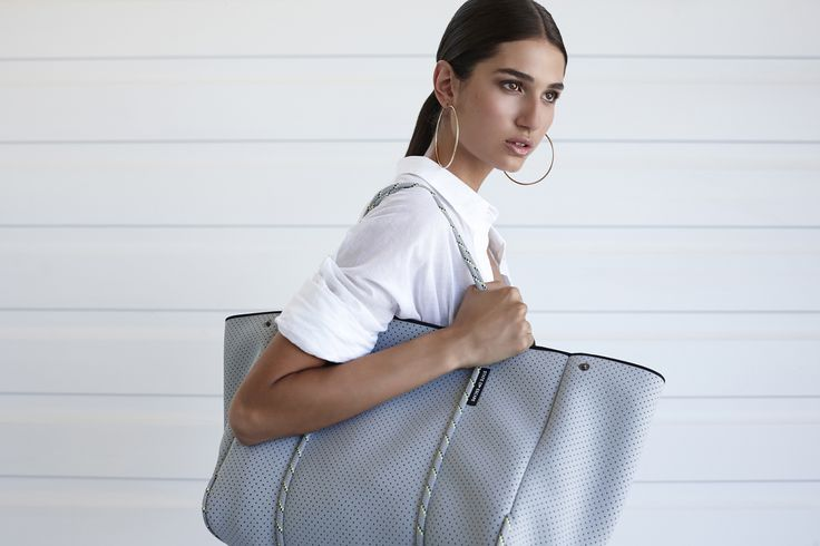 Classic grey Escape carryall