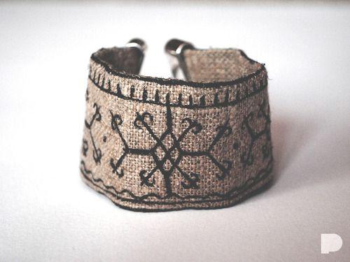 Lniana bransoletka :)  Linen bracelet :) Slavic pattern :)  #pinka #handmade #bizuteria #jewellery #jewelry #slavic #wzorki #pattern #len #linen #eco #fashion #bracelet #bransoletka