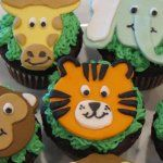 Zoo animal cupcakes  (Downloadable patterns + more ideas for matching parties)