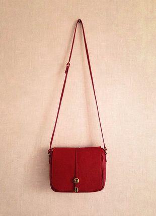 A vendre sur #vintedfrance ! http://www.vinted.fr/sacs-femmes/sac-a-main/20120412-sac-a-main-rouge-cuir