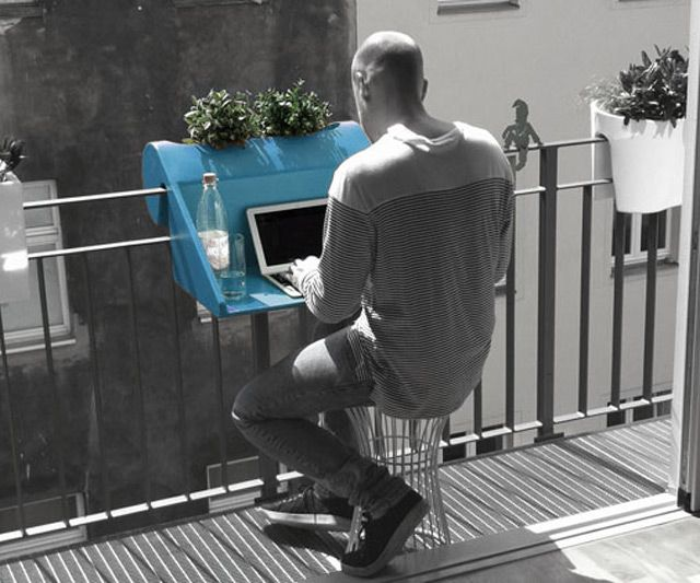 Instant Balcony Table | DudeIWantThat.com