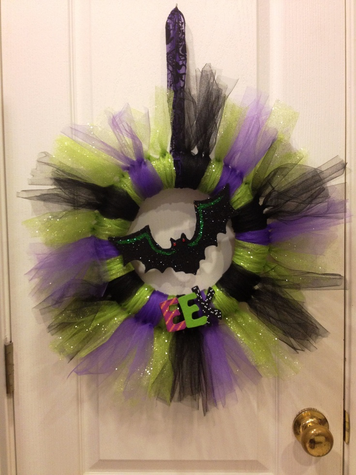 Halloween Tulle Wreath...Looks easy enough