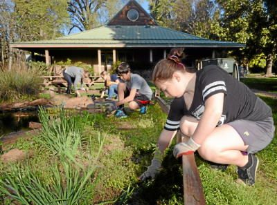 Chico U003eu003e A Smattering Of Volunteers Showed Up Early At The Chico Creek  Nature Center To Pull Weeds And Help Keep The Native Plant Garden Tidy.