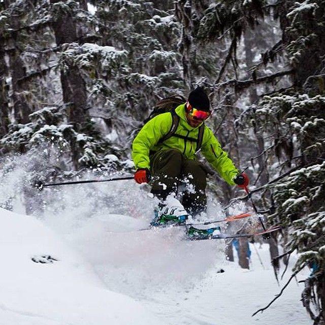 Pete hitting everything at @bigredcats #catskiing #skiing