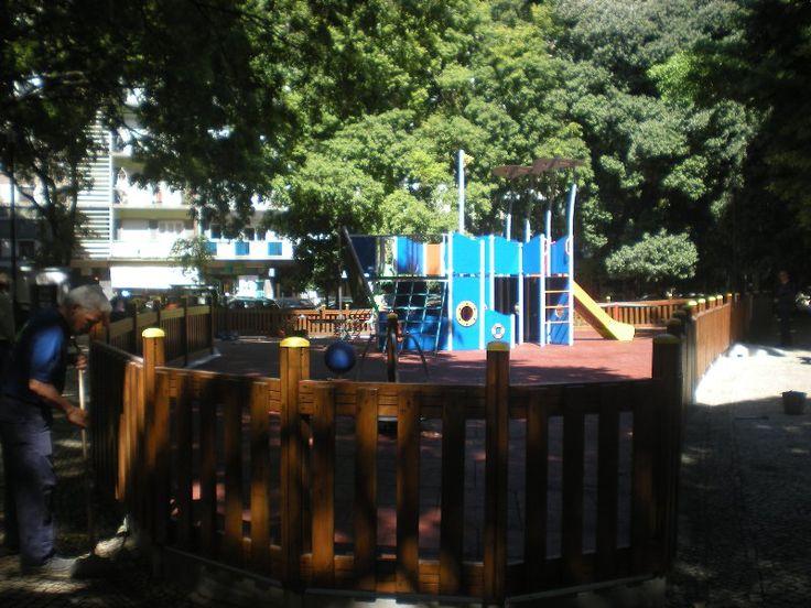 Parque Infantil do Jardim Teófilo Braga  Já conhecem este parque infantil? É baby-friendly, é Baably?  Ajudem-nos a classificar cada um destes locais para todos podermos dar experiências mais agradáveis aos nossos pequenotes e, talvez, fazer com que haja alguma intervenção por parte de quem é responsável pelos espaços! Basta inserirem a vossa classificação e os vossos comentários no link abaixo.  http://www.baably.com/item/parque-infantil-do-jardim-teofilo-braga/