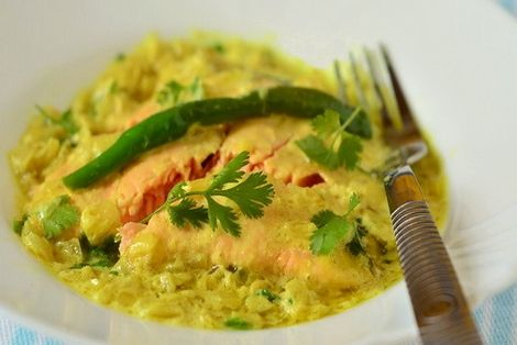 Łosoś Curry w Sosie Goa - potrawa kuchni indyjskiej bardzo smaczna i aromatyczna