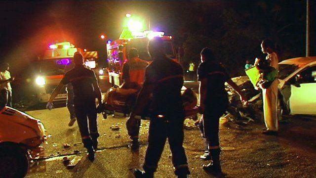 Lundi dernier deux voitures sont entrées en collision frontale dans l'avenue Gaston Monnerville faisant deux blessés graves et deux légers...