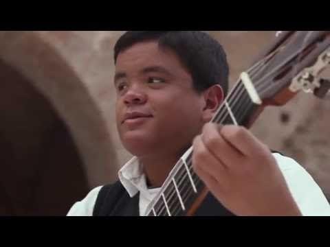 Himno Nacional de ARGENTINA en Guitarra • Julio Silpitucla de 18 años ◘ ♫ ♪ ♫ VideoClip▶