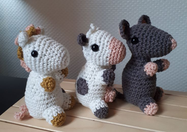 Free pattern - crochet horse, cow, mouse
