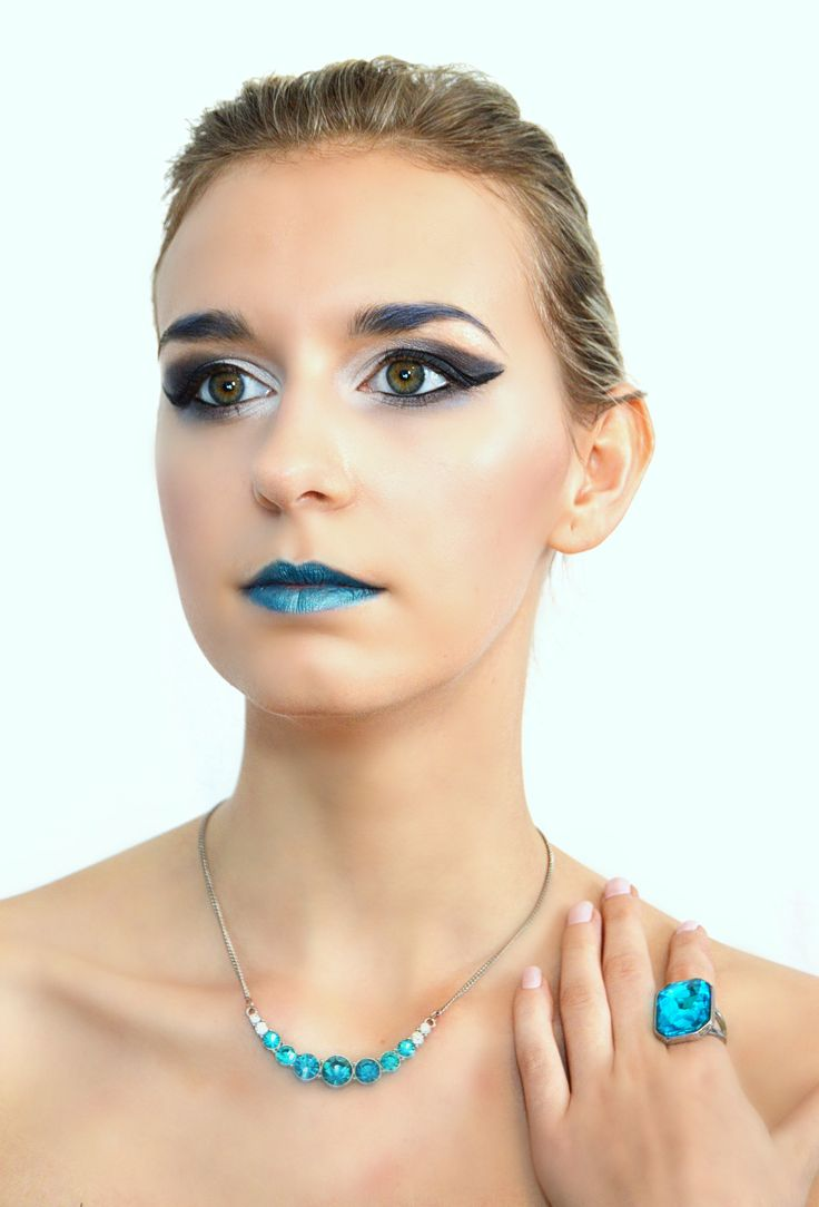 Makeup extravagant photoshoot with necklace.