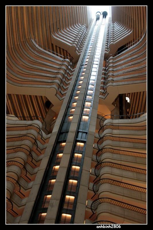Atlanta - USA - IMG_0928 - Marriot Hotel Elevator.jpg